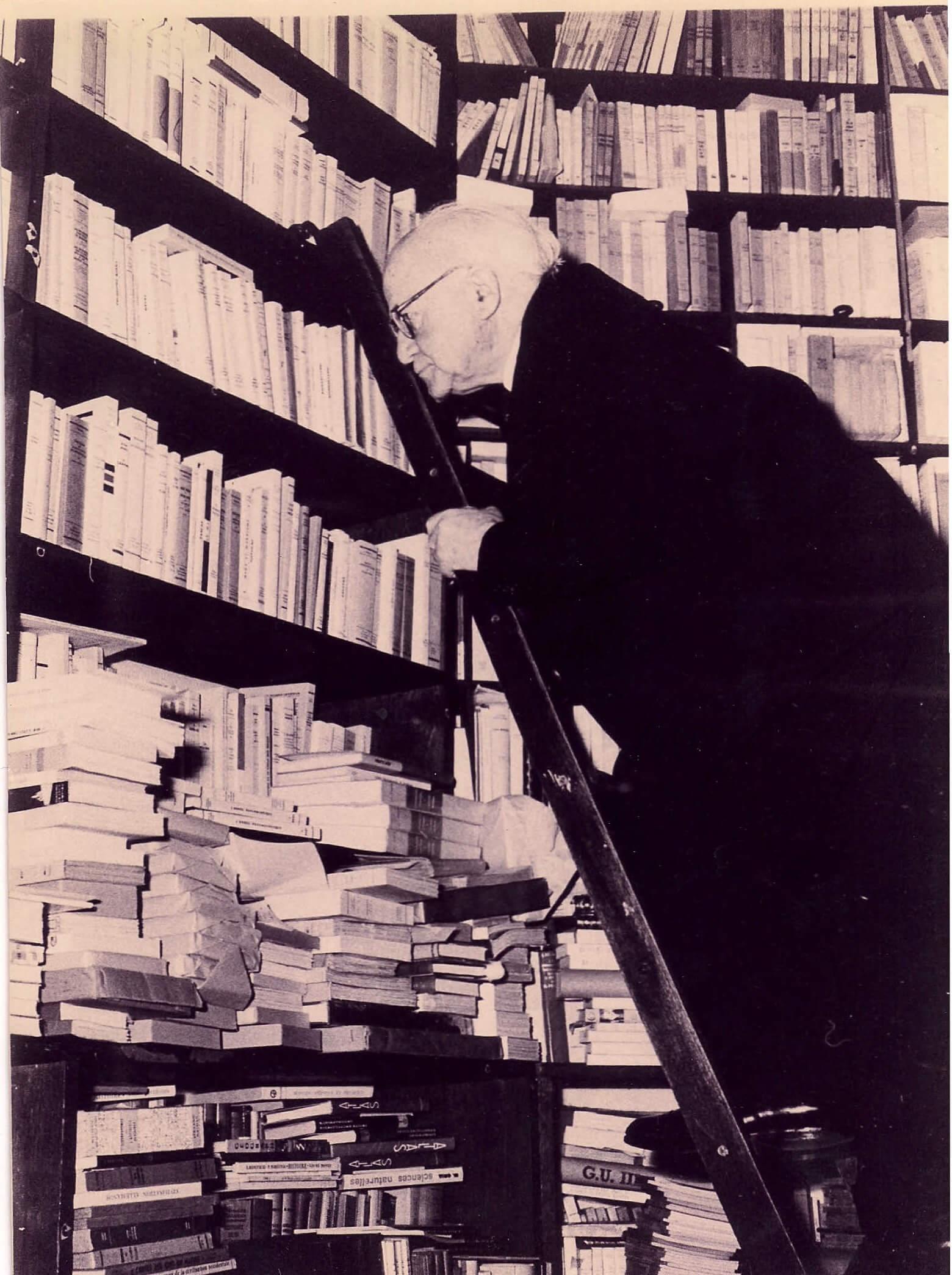 בן גוריון בספרייה